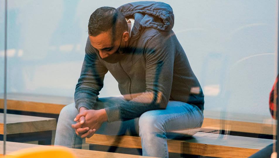 Driss Oukabir, a l'inici del judici dels atemptats de Barcelona i Cambrils el 10 de novembre del 2020.