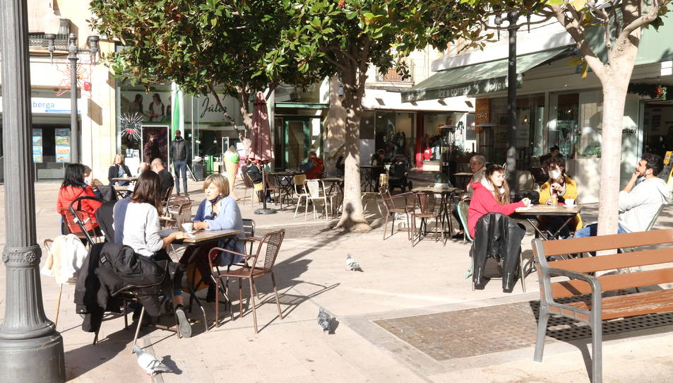 Una terrassa a la plaça Verdaguer de Tarragona.