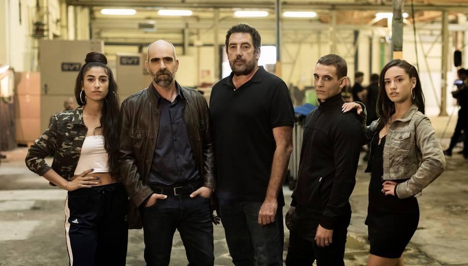 Una imatge de l'inici del rodatge del film 'Hasta el cielo' amb Daniel Calparsoro al centre.
