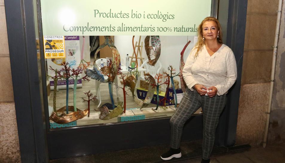 Sara Dalmau amb el seu treball 'Sirenes', aquest dijous a Reus.