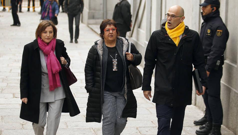 El diputat d'ERC Raül Romeva i les exdiputades d'ERC Dolors Bassa i Carme Forcadell s'adrecen al Tribunal Suprem.