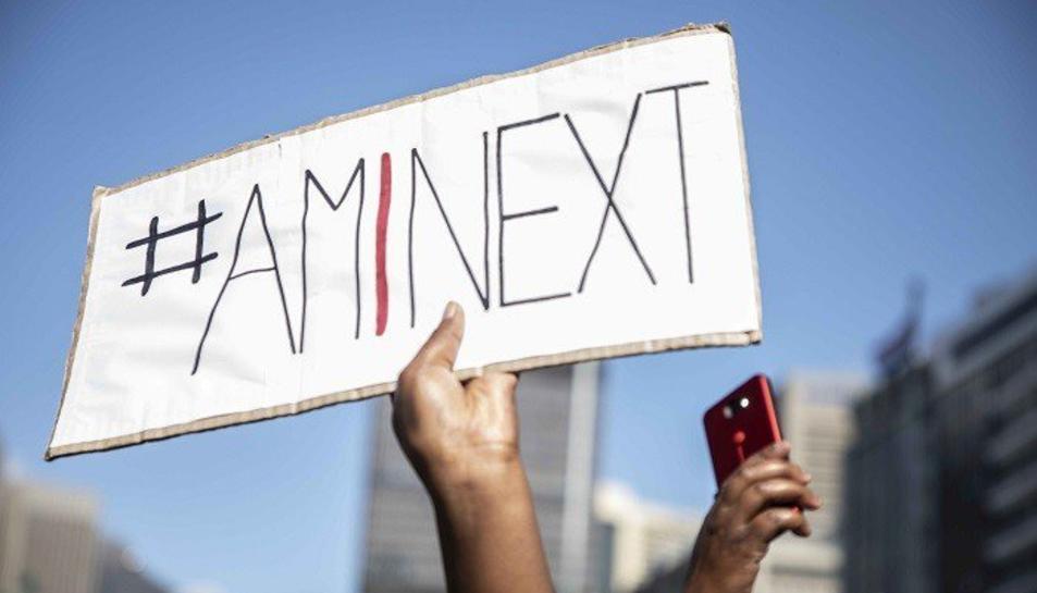 A Sud-àfrica han engegat la campanya contra la violència masclista 'Amb I Next?'.