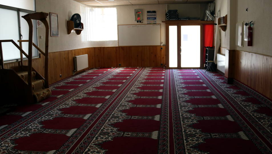 Sala de la mesquita del carrer Progrés de Ripoll.