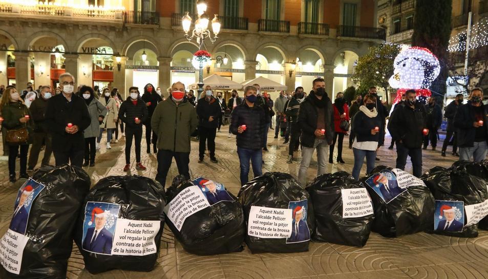 Imatge de la protesta a la plaça Prim.