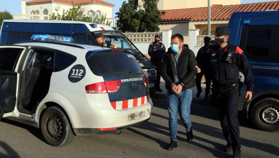 Un detingut en el marc d'un operatiu dels Mossos d'Esquadra contra el cultiu i tràfic de marihuana a Miami Platja.