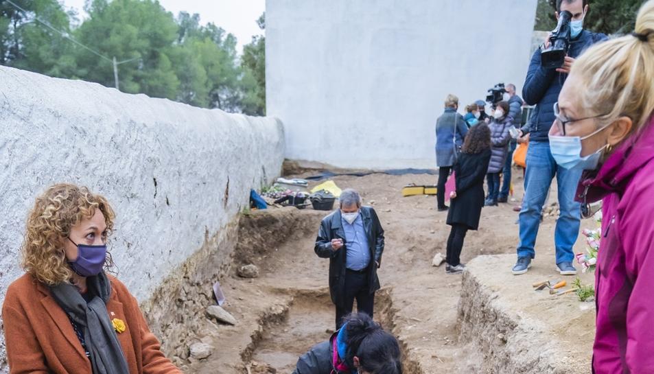 Recuperen 22 cossos de la fossa de Salomó