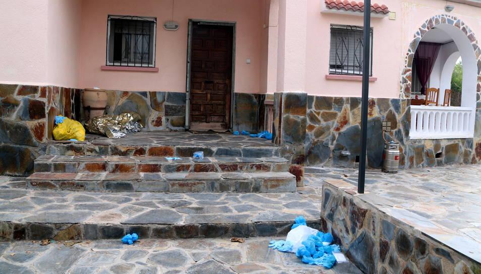 La part exterior de la casa del Vendrell on es va produir un homicidi el