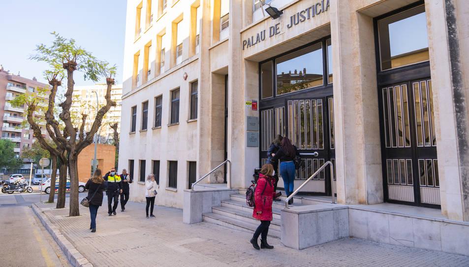 Façana del Palau de Justícia de Tarragona.