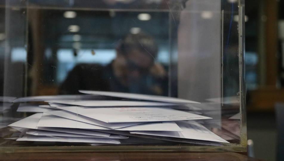 Una urna, a l'oficina consular d'Espanya a Brussel·les.