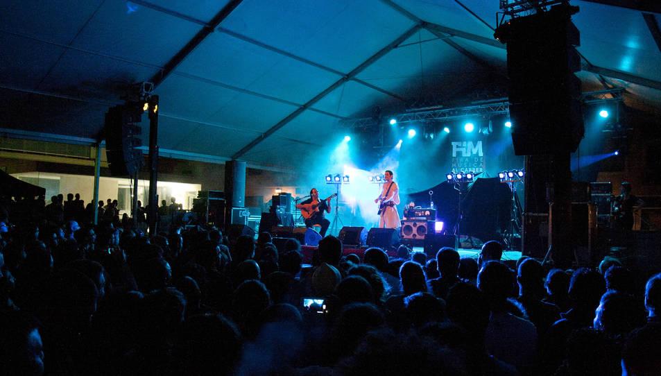 Un concert durant una de les edicions passades de la Fira de Música al Carrer.