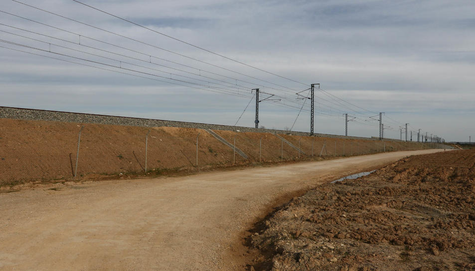 Imatge del 2018 dels terrenys on està projectada l'estació intermodal, pròxima a l'Aeroport.