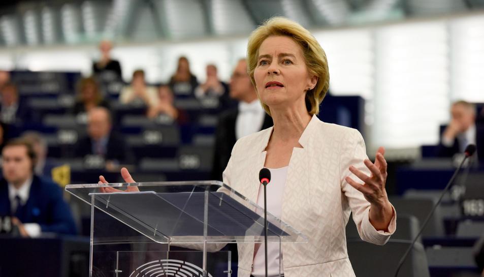 La presidenta de la Comissió Europea, Ursula von der Leyen, en una intervenció a l'Eurocambra.