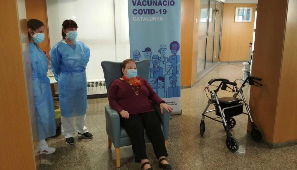 La Teresa Soria, la primera vacunada contra la covid-19 al Camp de Tarragona