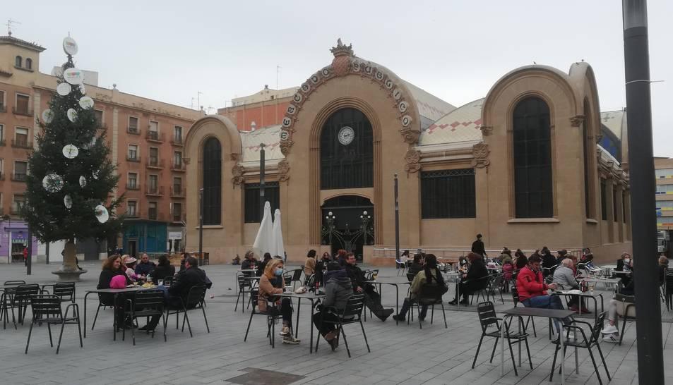 La Plaça Corsini s'ha convertit en un dels principals punts d'atracció per prendre alguna cosa.