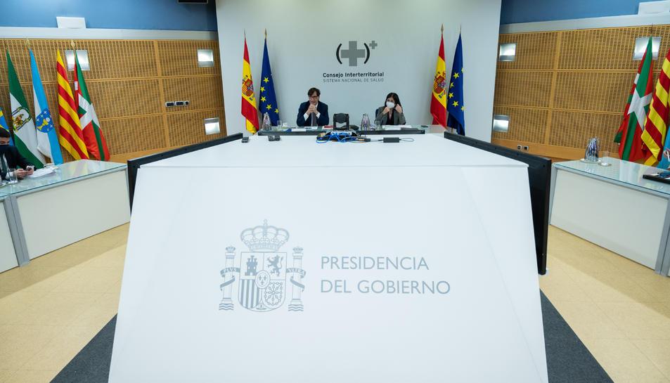 El ministre de Sanitat, Salvador Illa, i de la ministra de Política Territorial, Carolina Darias, a la reunió del Consell Interterritorial de Salut.