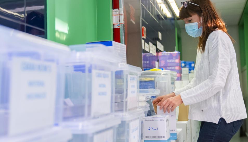 La segona remesa de la vacuna contra el covid-19 va arribar ahir en un punt de recepció confidencial al Camp de Tarragona. Les dosis s'hi custodien fins que es traslladen.