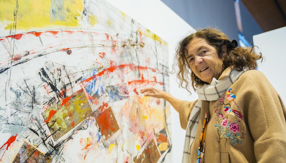 Marta Balañá amb la seva obra 'Atocha, 11 de març de 2004'.