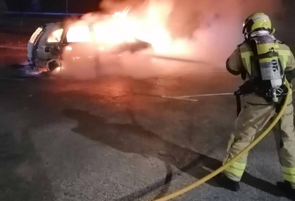 Bombers apaguen el foc.