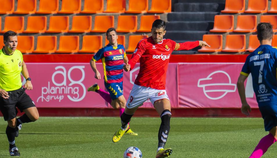 Gerard Oliva, durant el Nàstic-Llagostera d'aquesta temporada.