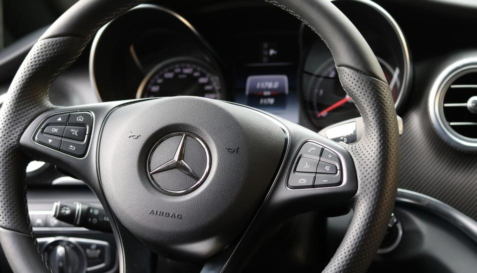 La principal marca comercial de Daimler és Mercedes-Benz.