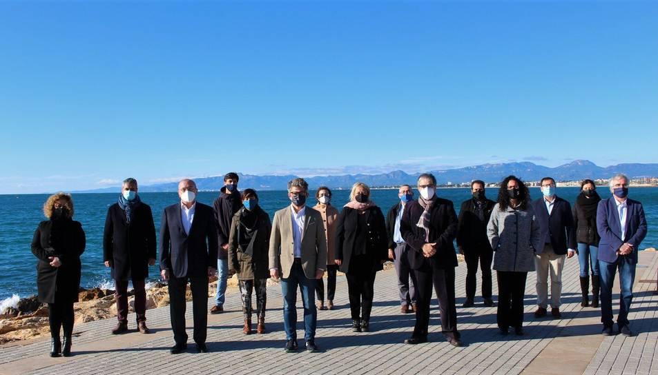 Marc Arza, cap de llista del PDeCat a Tarragona, amb alguns dels membres de la seva candidatura.