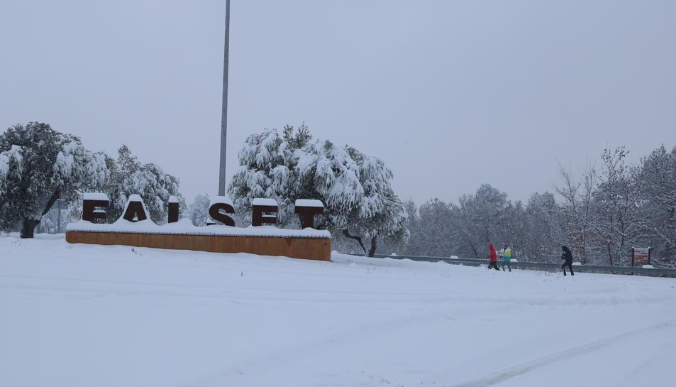 L'entrada de Falset tota nevada.