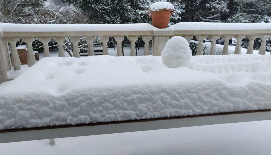 Les cases de Prades, completament nevades.