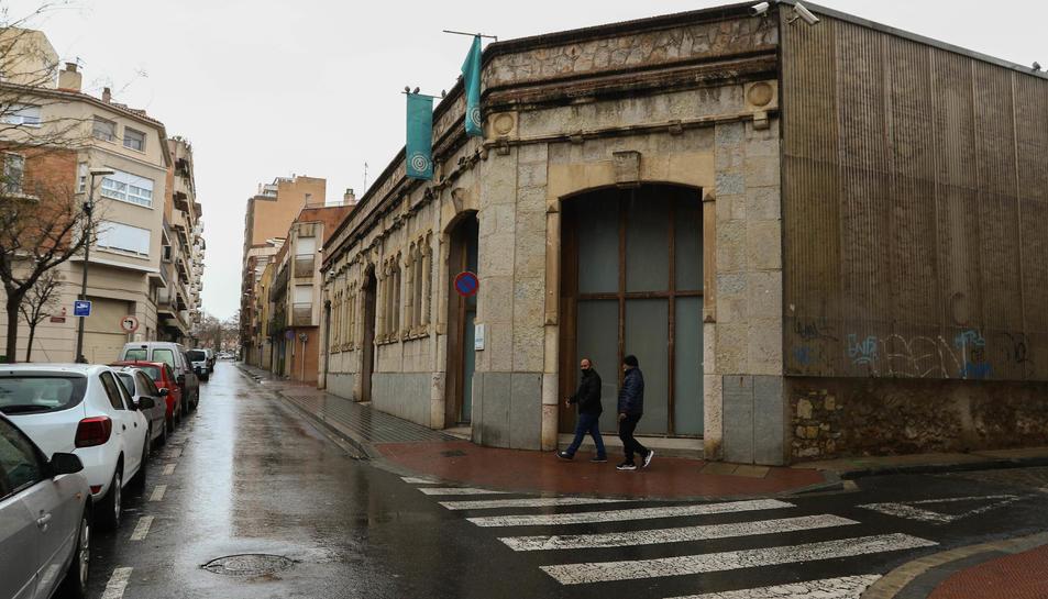 L'exterior del Centre d'Art Cal Massó, ahir.