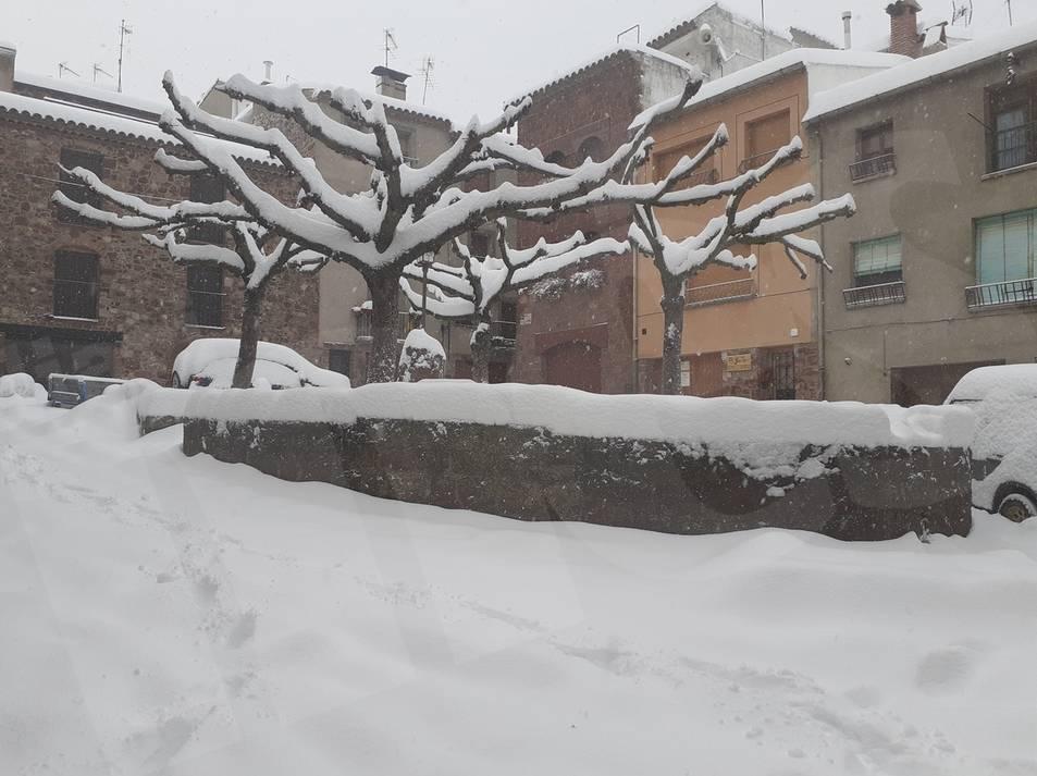 Nevada en Prades, la nieve se consolida