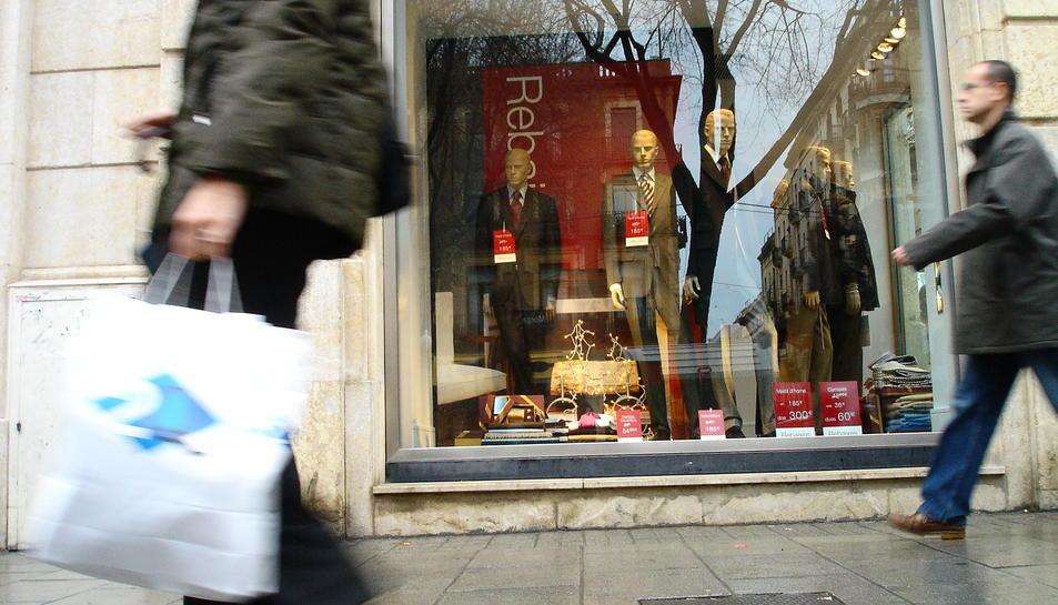 Imatge d'arxiu d'una campanya de rebaixes després de les vacances de Nadal.