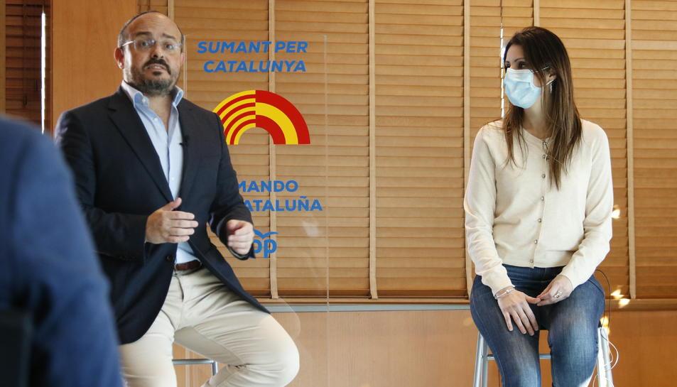 El president del PPC, Alejandro Fernández, amb la seva número dos el 14-F, Lorena Roldán.