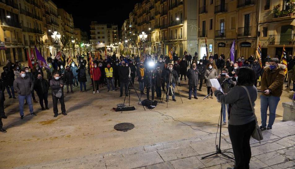 Imatge de la concentració a la plaça de la Font.