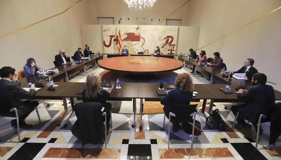 Pla general de la reunió extraordinària del Consell Executiu que ha de formalitzar el decret d'ajornament de les eleccions.