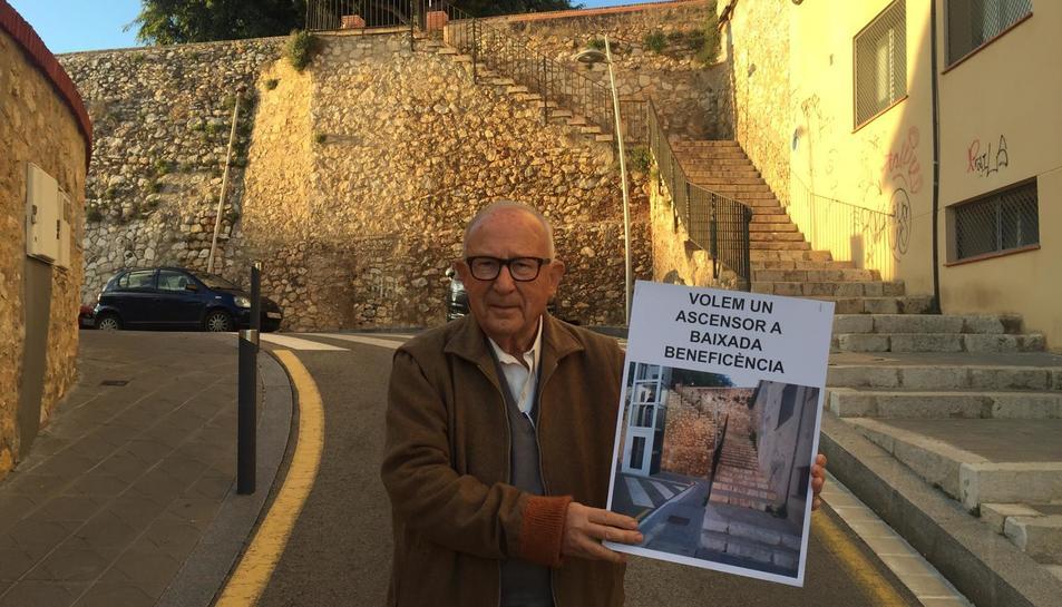 La demanda està encapçalada per Josep Mir i Balart, veí de la comunitat.