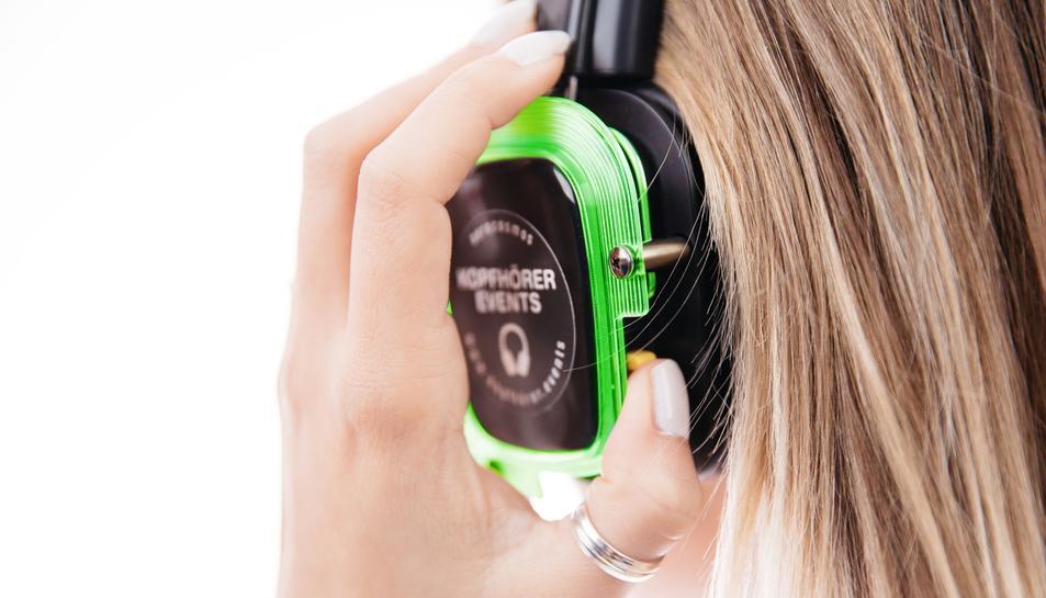 Auriculars utilitzats a les festes «silencioses»