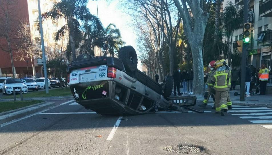 Imatge de l'estat en què va quedar el vehicle després de l'accident