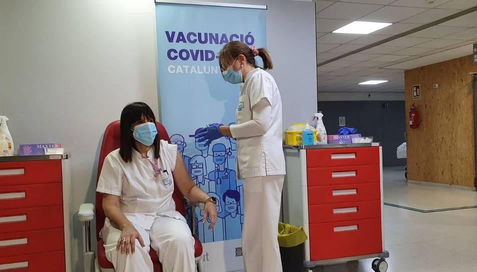 Diumenge els sanitaris de l'Hospital d'Amposta van rebre la vacuna de Moderna.