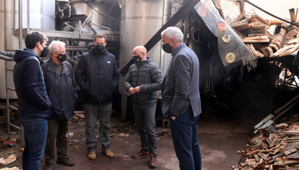Els propietaris del celler, el director de l'Incavi, el delegat del Govern al Camp de Tarragona i el director dels serveis territorials d'Agricultura a Tarragona.