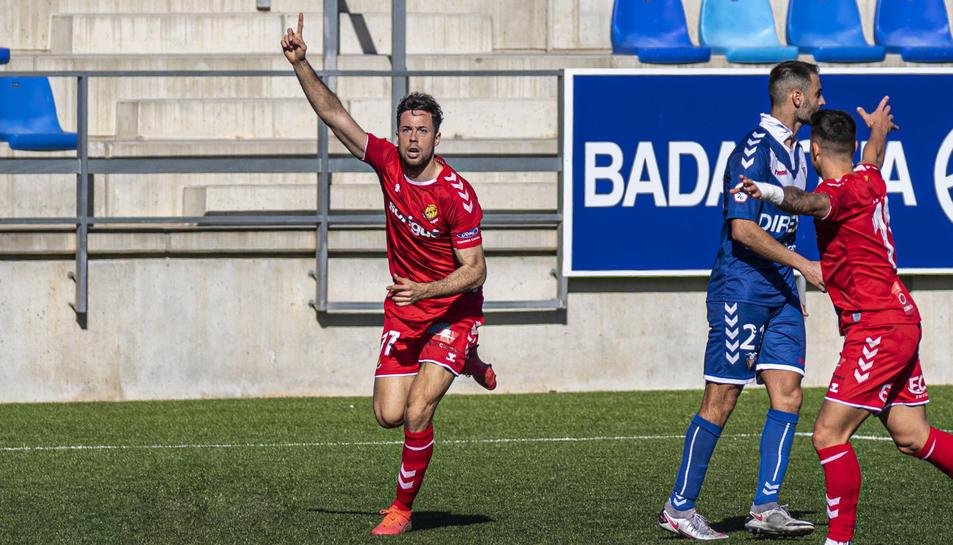 Pedro Martín, celebrant el gol a Badalona-