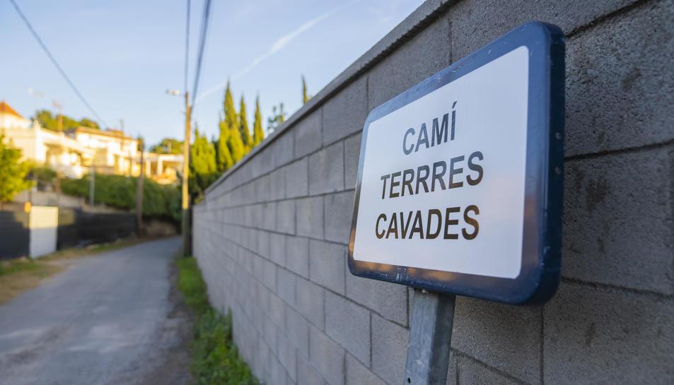 Imatge del cartell a Terres Cavades amb tres erres.
