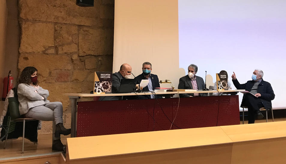 Imatge de la presentació del sisè volum de l'Enciclopèdia Castellera.
