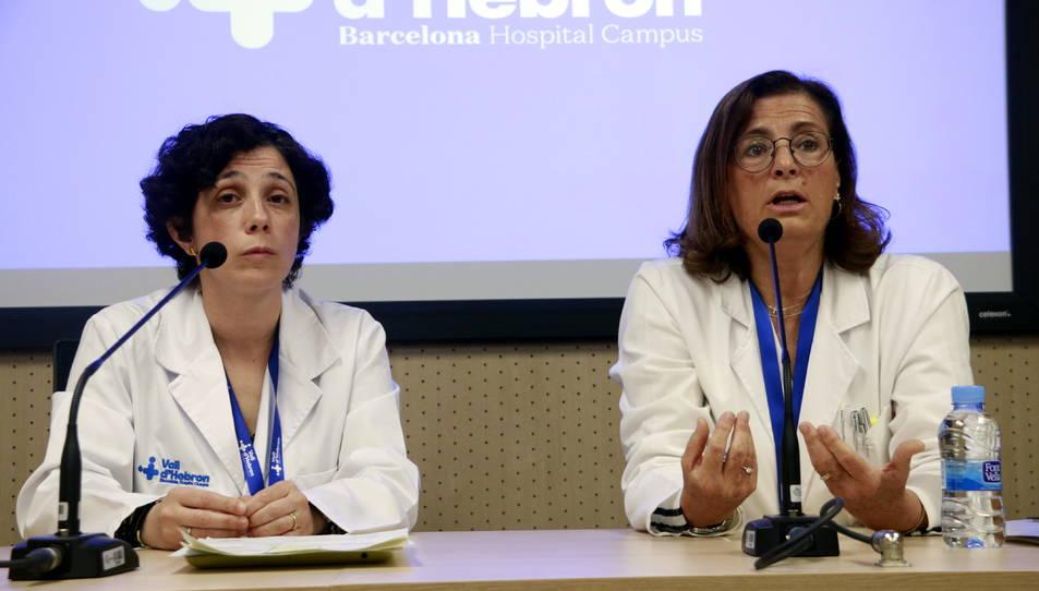 La cap del Servei d'Epidemiologia i Medicina Preventiva, la doctora Magda Campins, a la dreta.