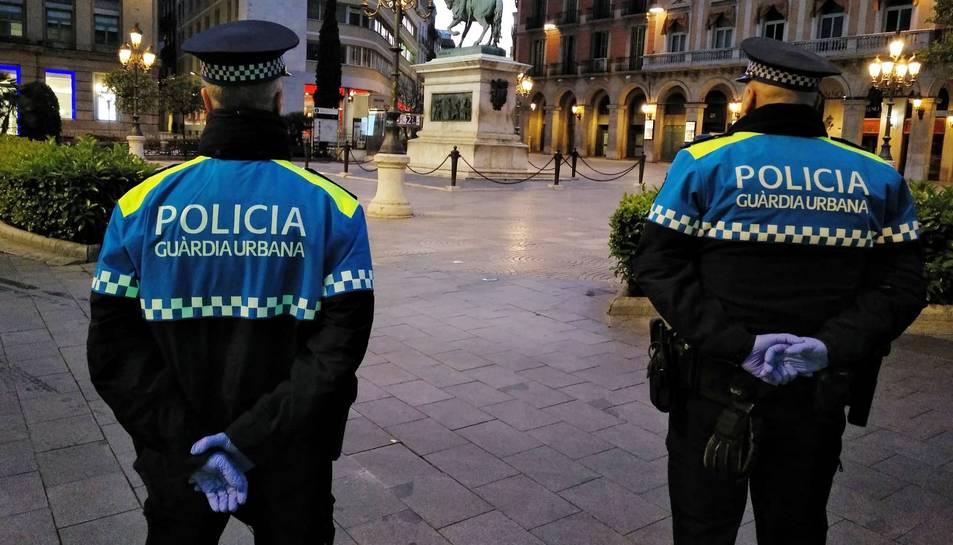 Dos agents de la Guàrdia Urbana de Reus.