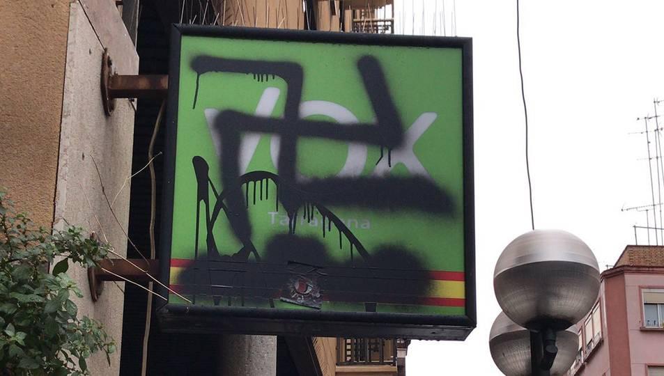 Imatge de la pintada a la seu de Vox.