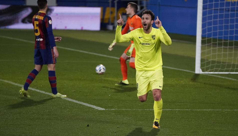 Víctor Casadesús celebra el gol que va marcar en l'anterior partit, a l'Estadi Johan Cruyff, contra el Barcelona B.