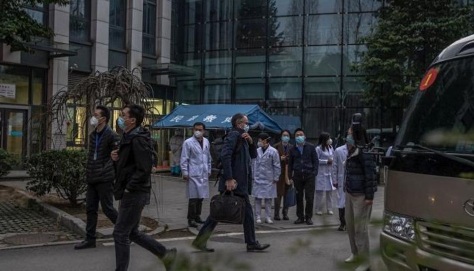 Peter Ben Embarek, el líder de l'equip de l'OMS en Wuhan, després de visitar a membres de l'Hospital Provincial de Hubei en Wuhan, la Xina.