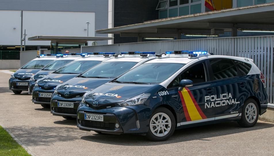 Imatge d'arxiu de diversos vehicles de la Policia Nacional.