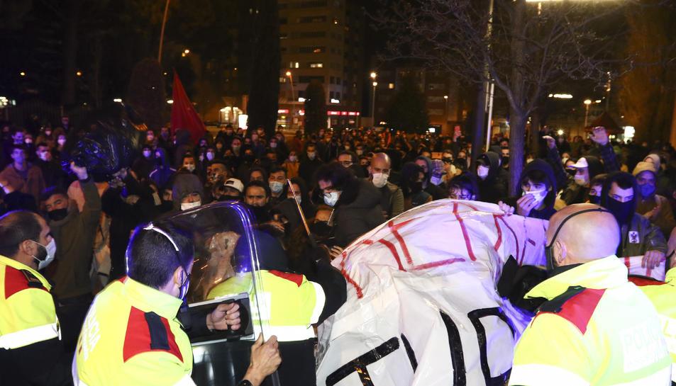 Imatge de les càrregues policials.