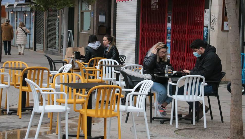 Imatge de la terrassa d'un bar de la Zona Alta de Lleida
