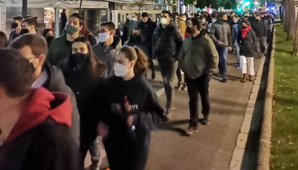 Els manifestants dirigint-se a la plaça Imperial Tàrraco